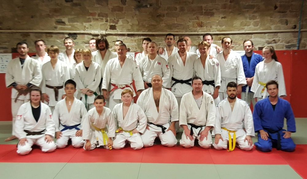 Group photo with Owen Livesey at his masterclass held at Pudsey Judo Club